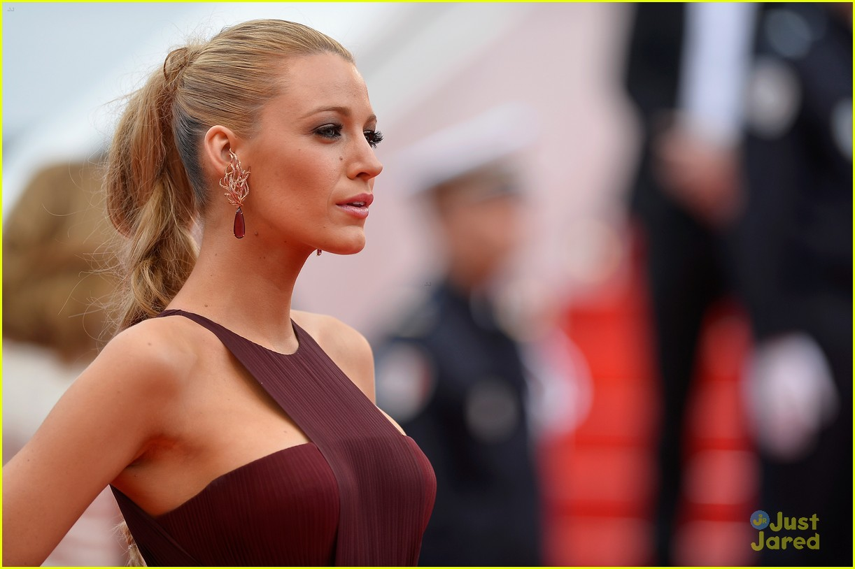 blake lively adele exarchopoulos cannes opening premiere 02