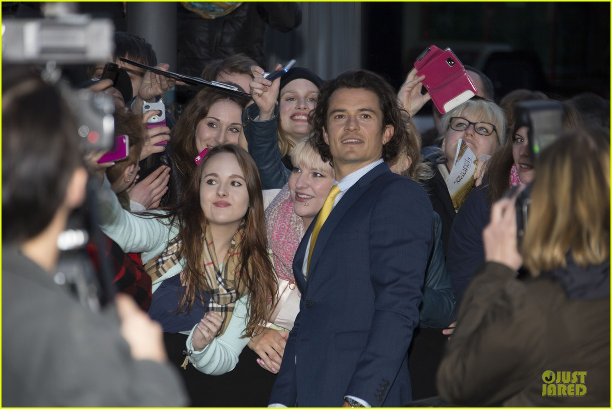 orlando bloom yellow tie zulu germany premiere 07