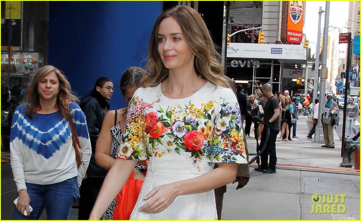 emily blunt floral dress for gma 02