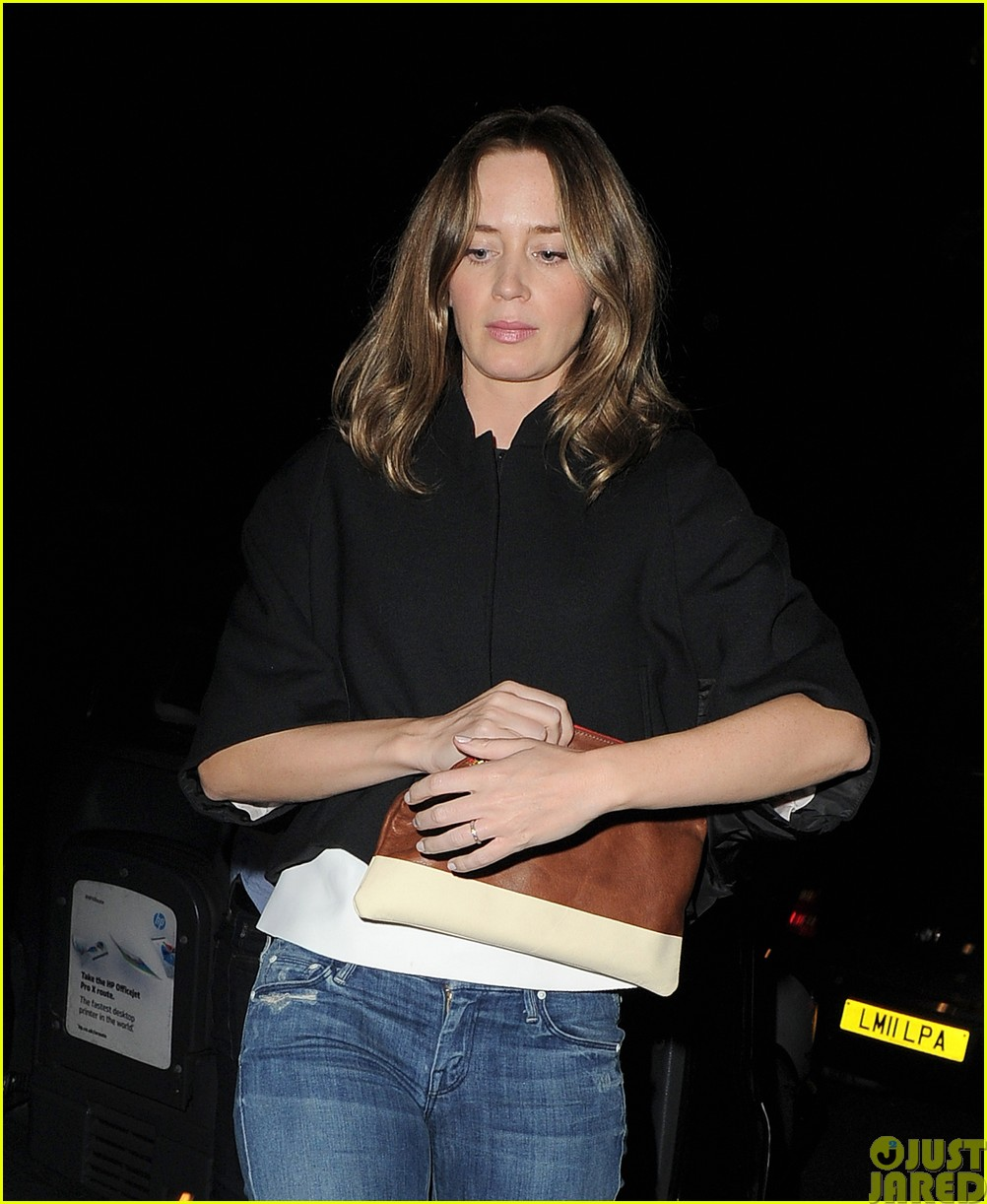 emily blunt and john krasinski hit the town with chris martin and jeremy renner31