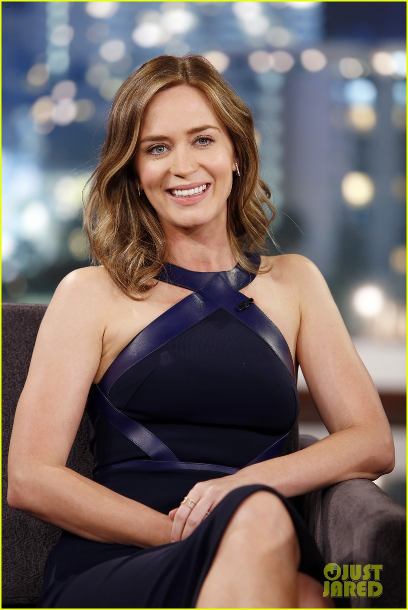 emily blunt reveals she took tom cruise to a sex club 02