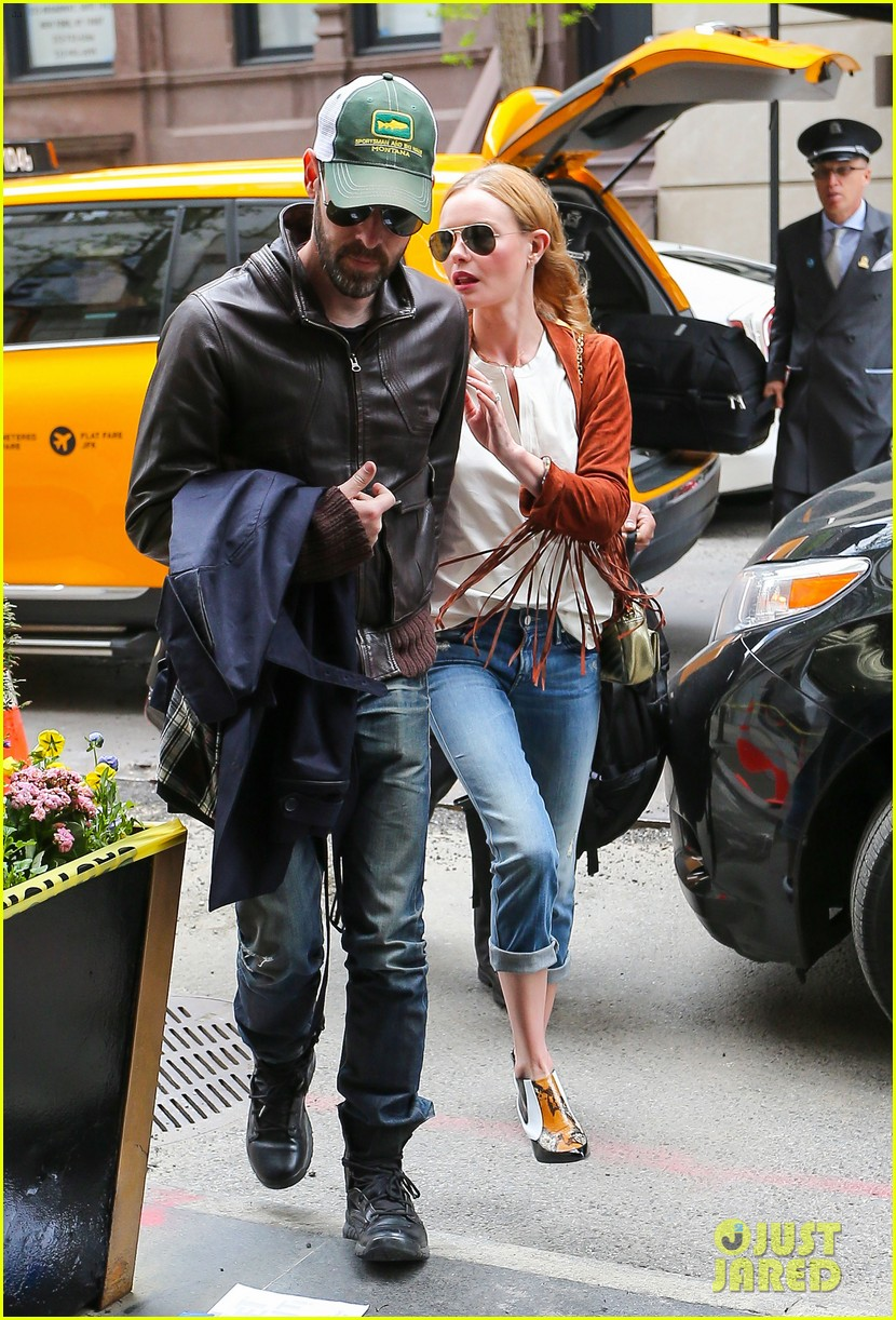 kate bosworth michael polish central park stroll 013104138