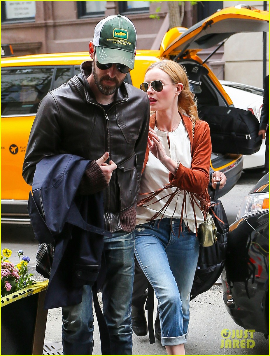 kate bosworth michael polish central park stroll 06