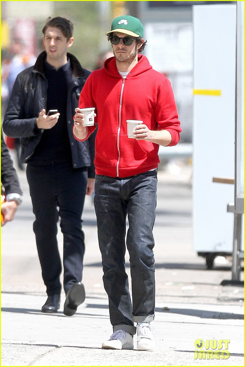 adam brody spends his saturday morning outside in the sun 06