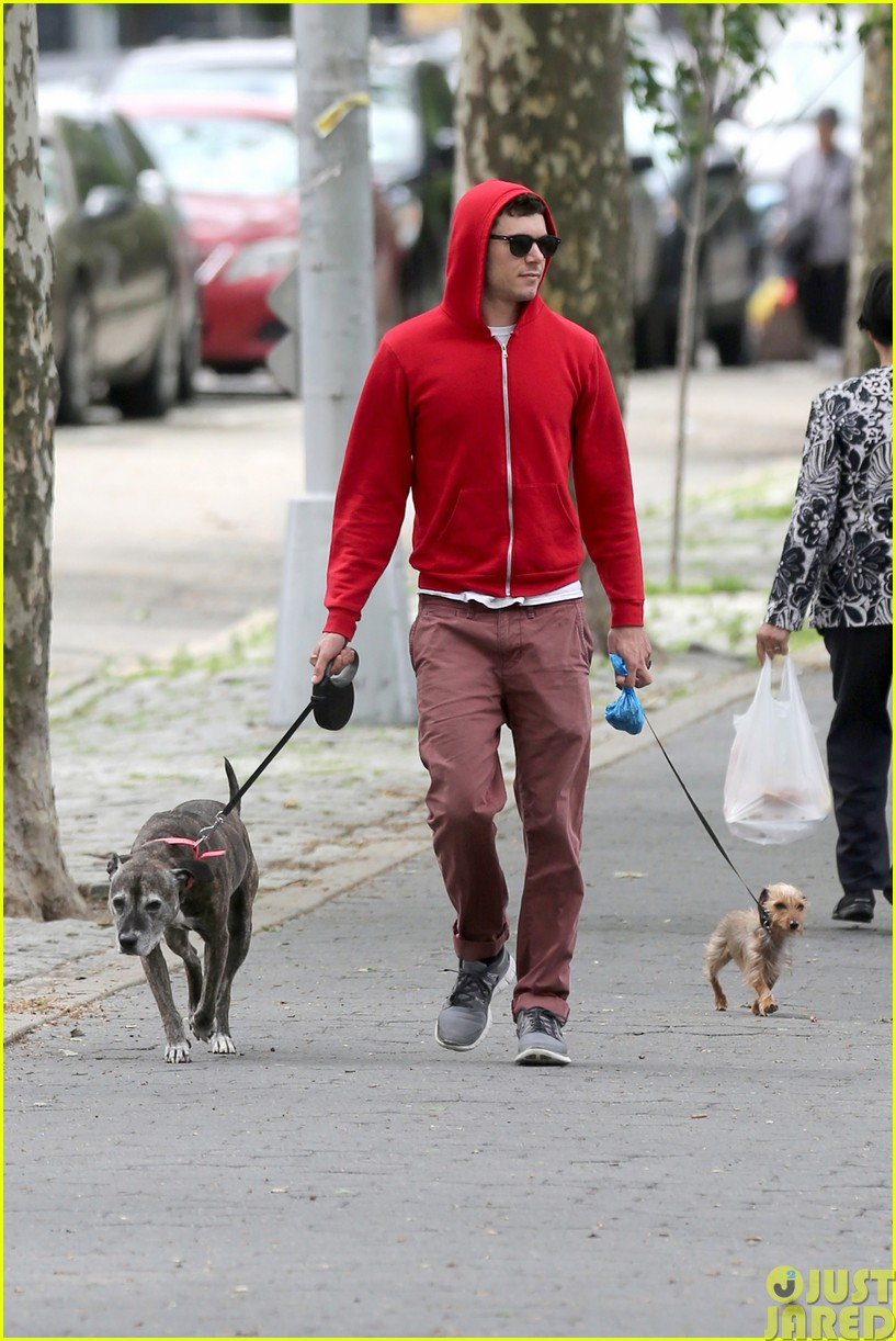 adam brody walks the dogs in his favorite sweatshirt10