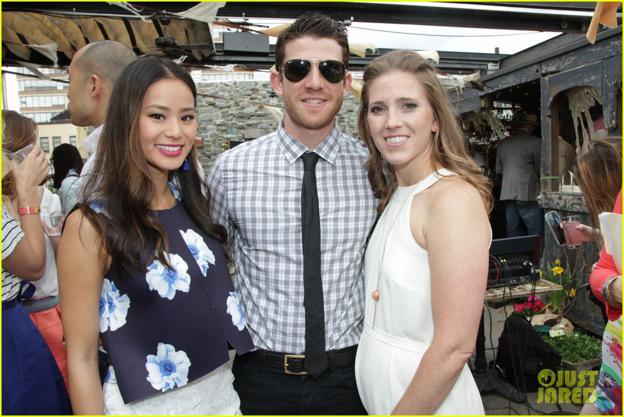 jamie chung supports fiance bryan greenberg olevolos project brunch 21