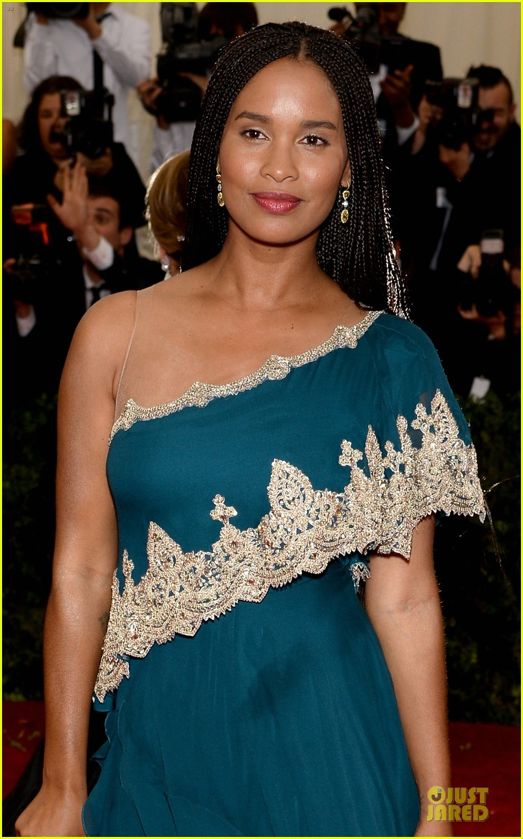 joy bryant shoulder at met ball 2014 023106575