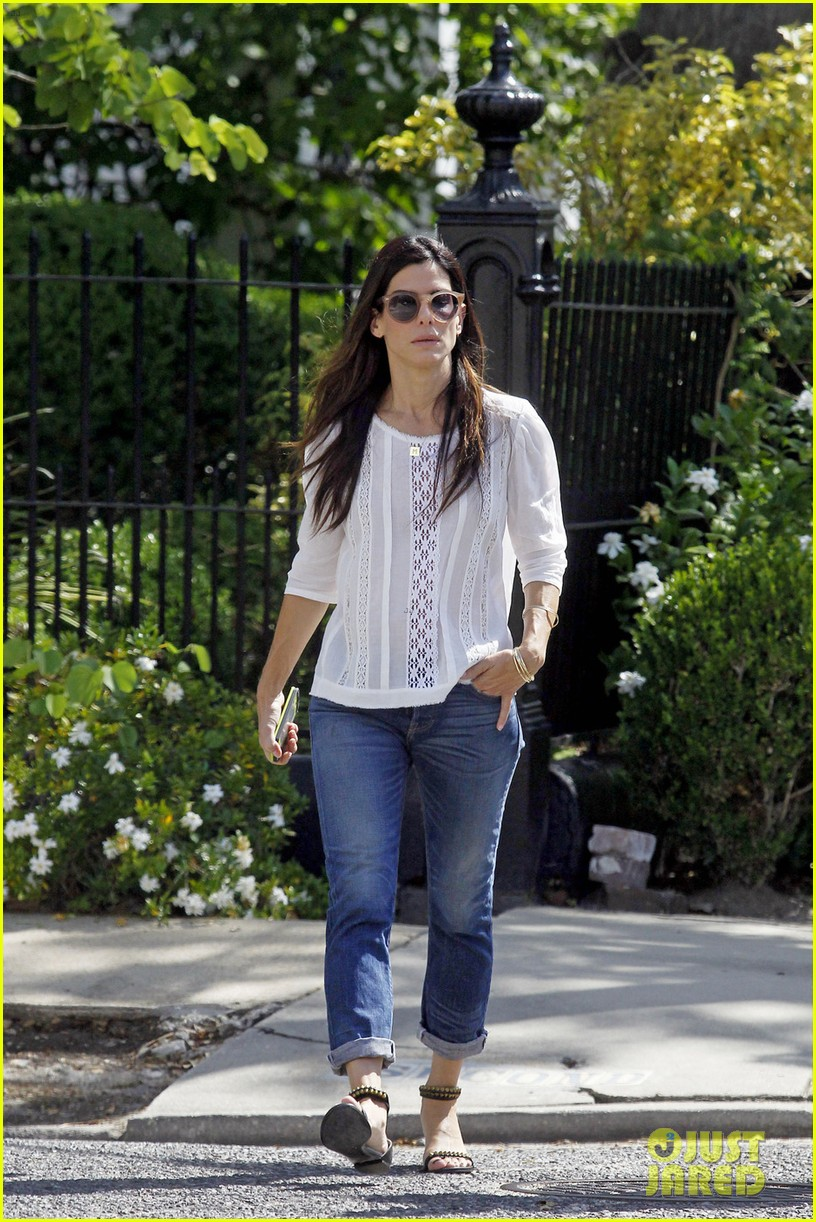 sandra bullock settles lawsuit with jewelry company 02