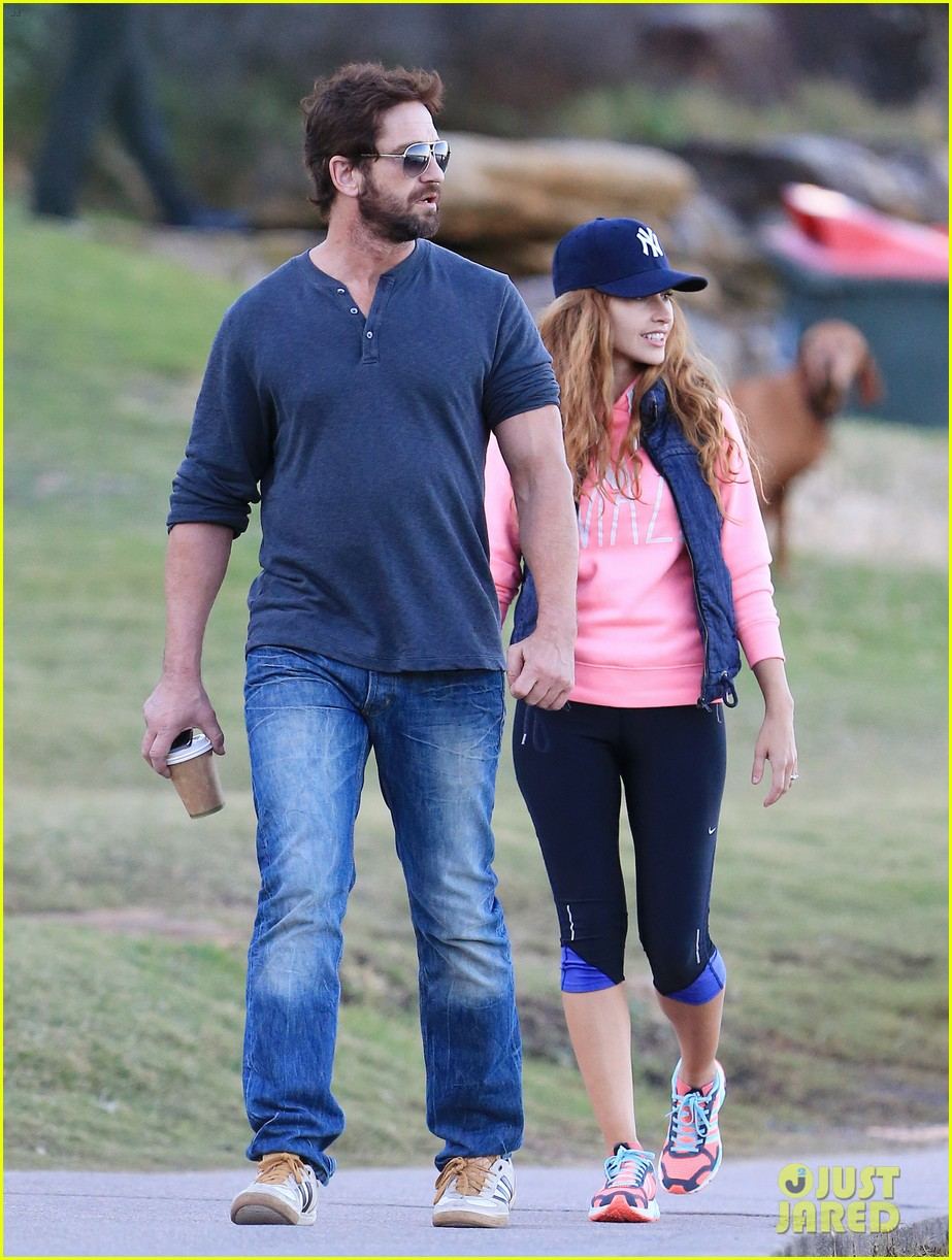 gerard butler steps out in bondi with mystery woman 023105503
