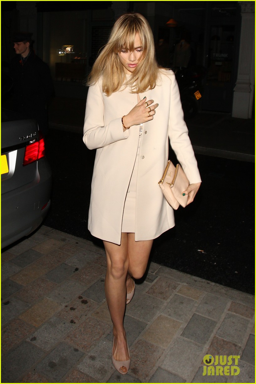 cara delevingne suki waterhouse have another night on the town 17