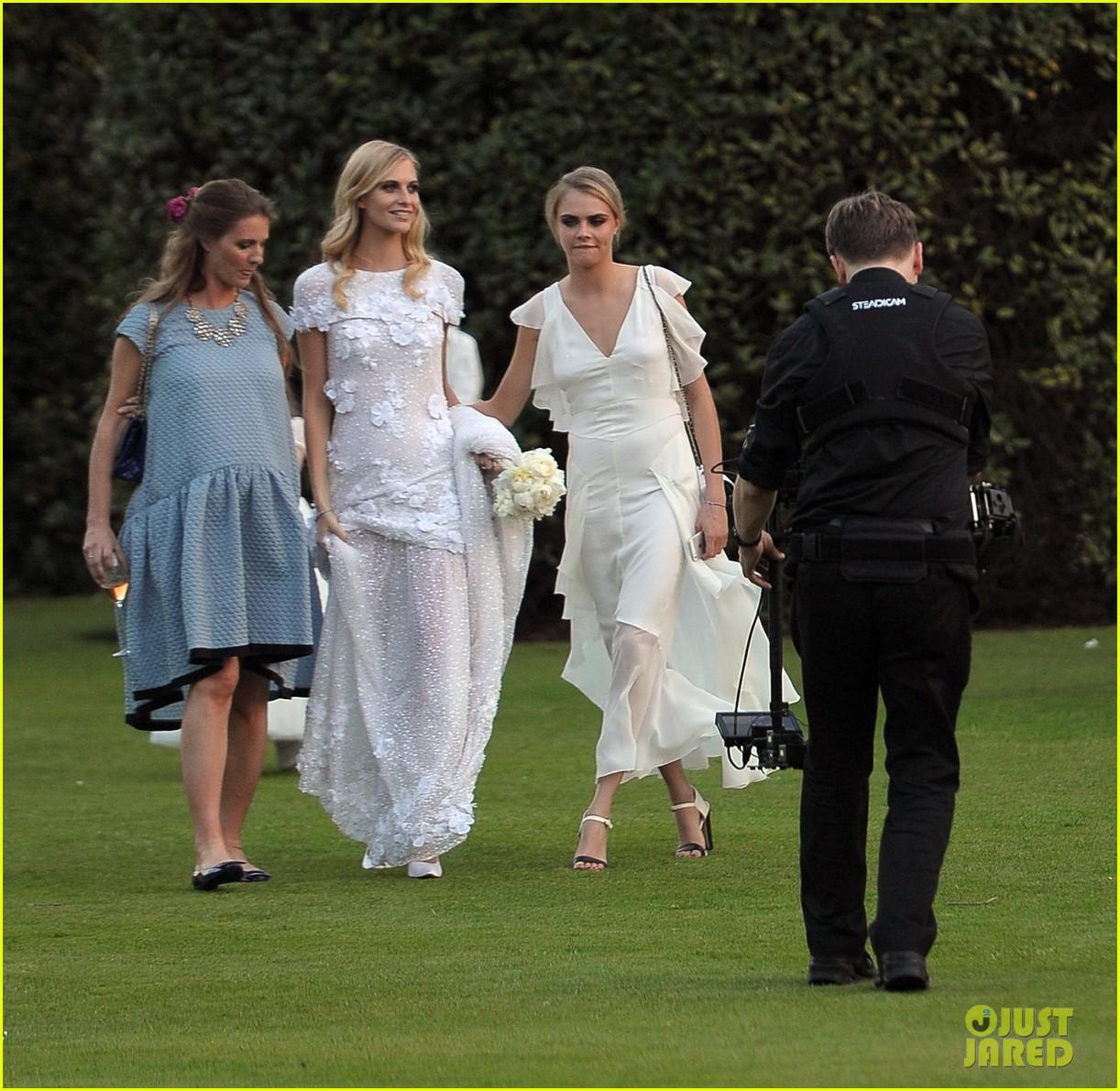 cara delevingne sister poppys wedding 20