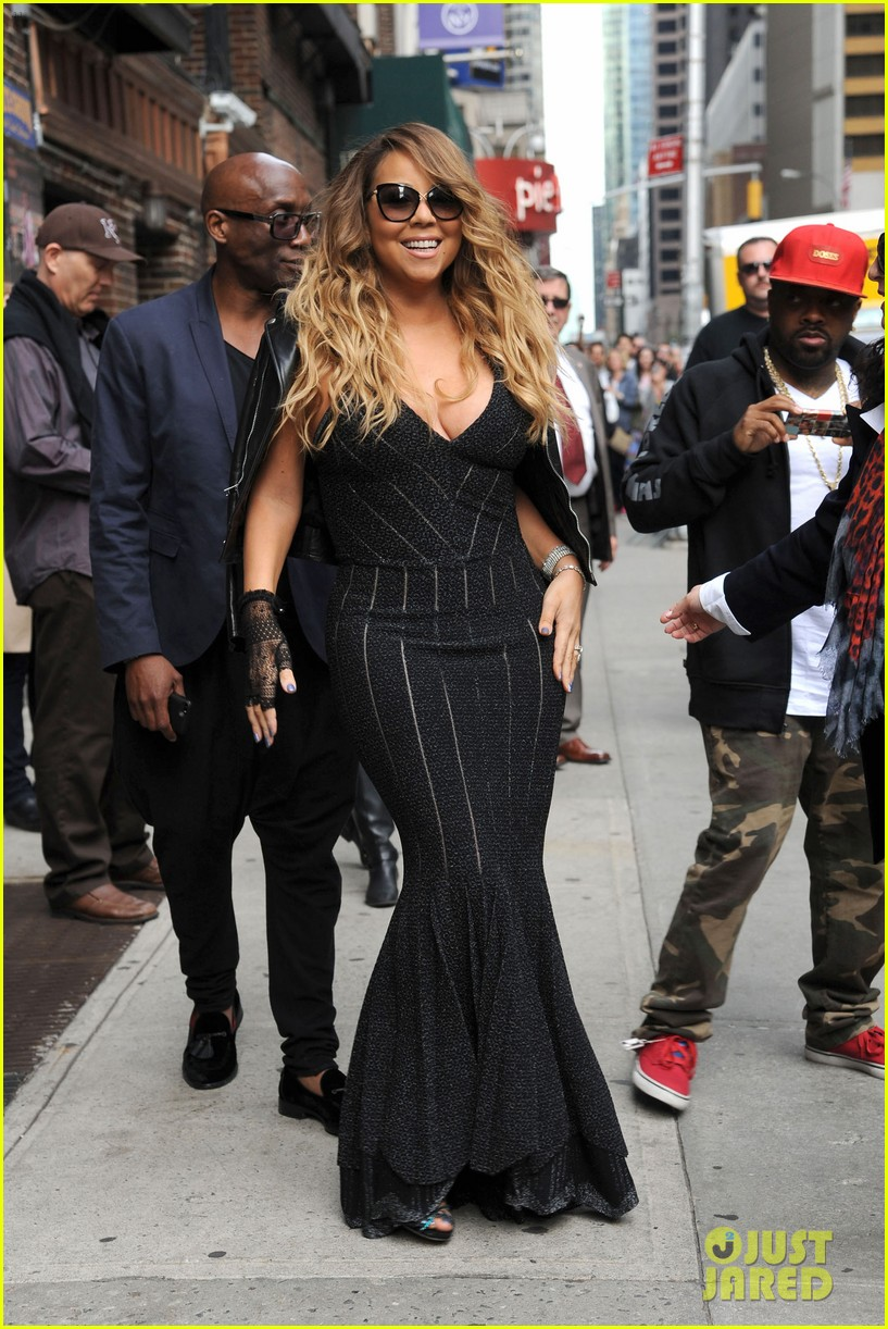 mariah carey rocks form fitting dress for letterman visit 053107852