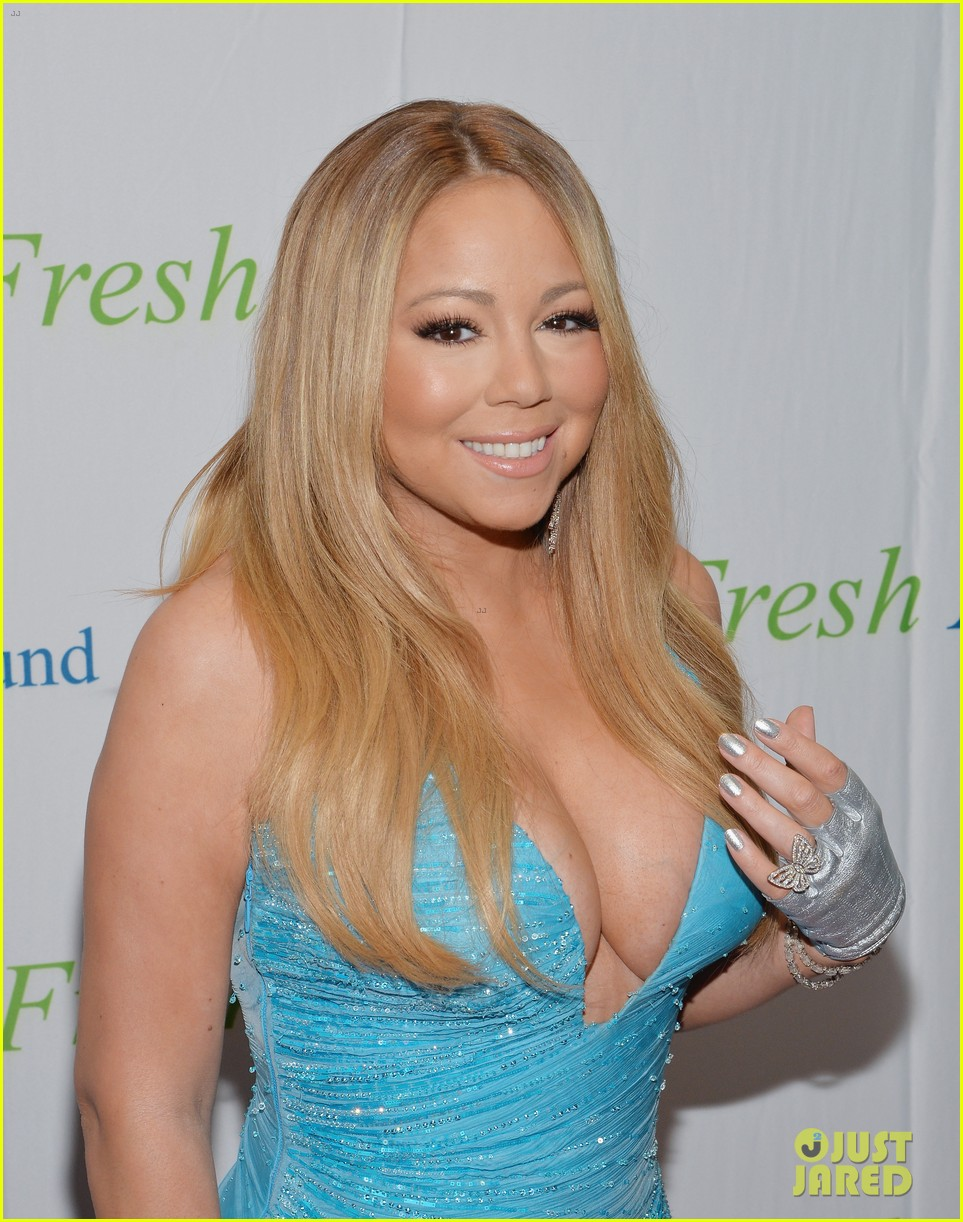 mariah carey flaunts major cleavage fresh air fund gala 053124325