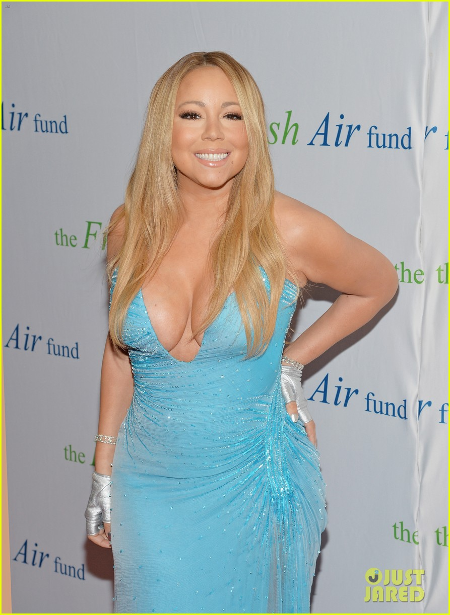mariah carey flaunts major cleavage fresh air fund gala 09
