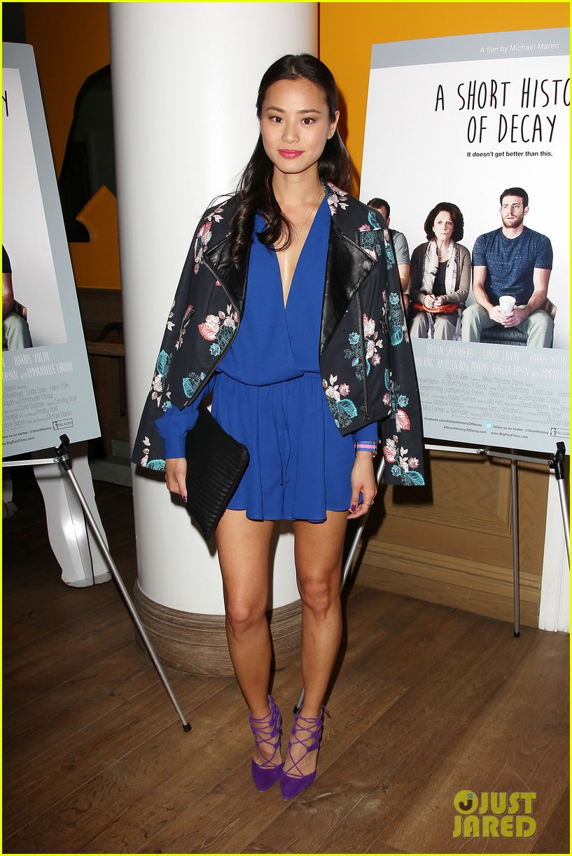 jamie chung supports bryan greenberg at short history of decay 11