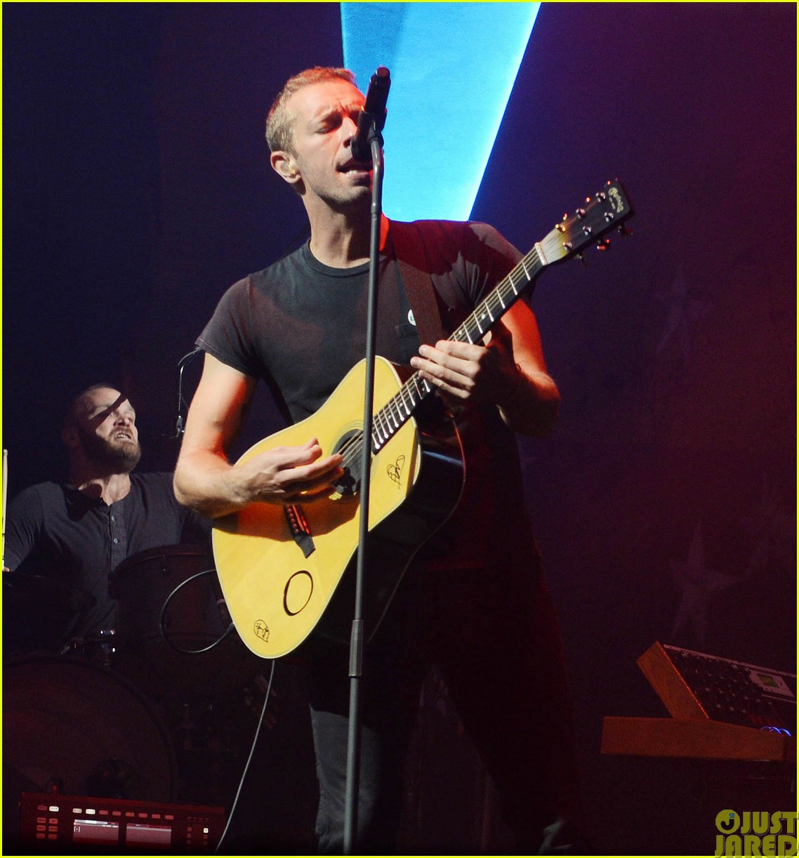 coldplay and pharrell bring happy to radio 1 big radio weekend concert313121607