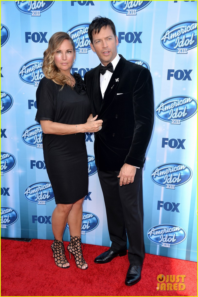 Harry connick jr brings wife jill goodacre to american idol finale