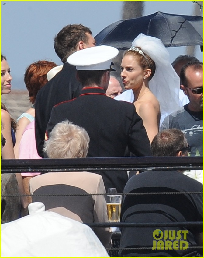bradley cooper sienna miller just got married 103124894