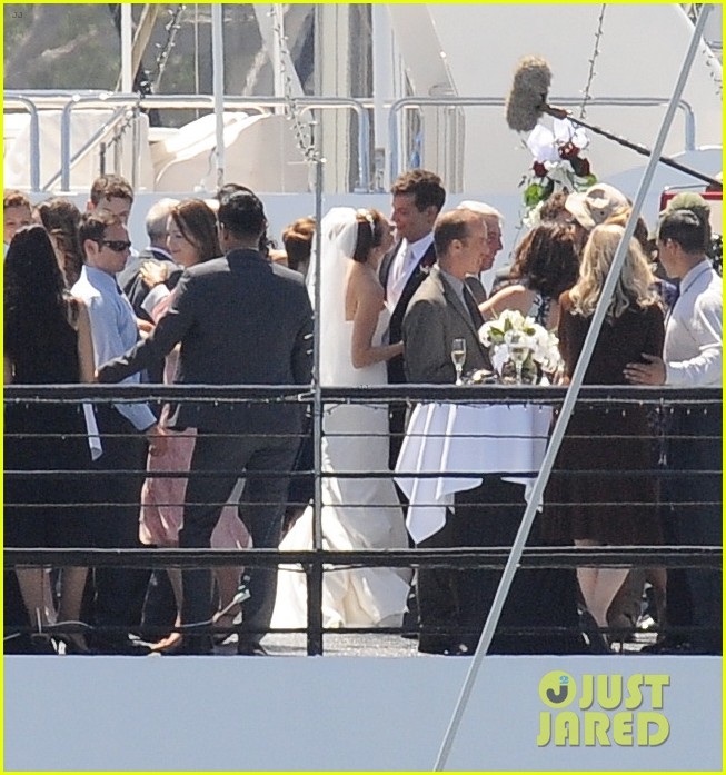 bradley cooper sienna miller just got married 213124905