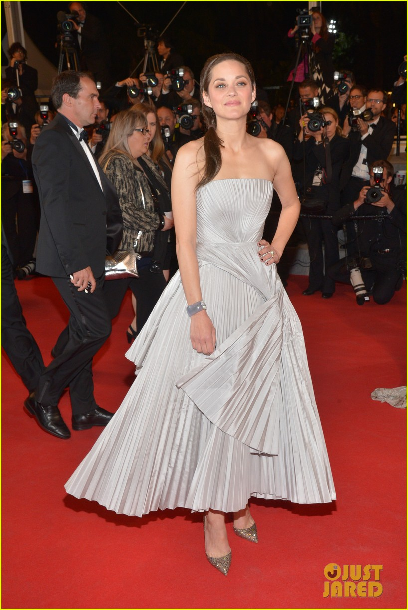 marion cotillard supports guillaume canet cannes premiere 01