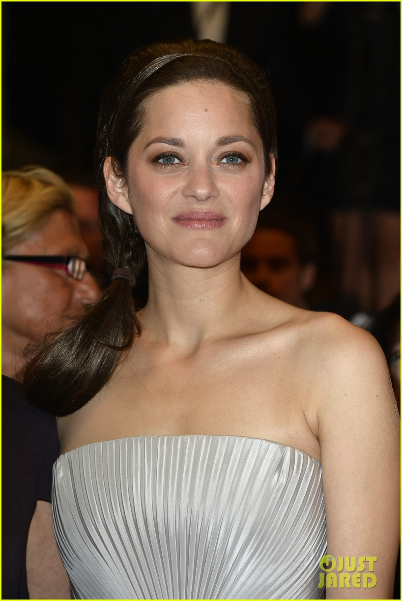 marion cotillard supports guillaume canet cannes premiere 19
