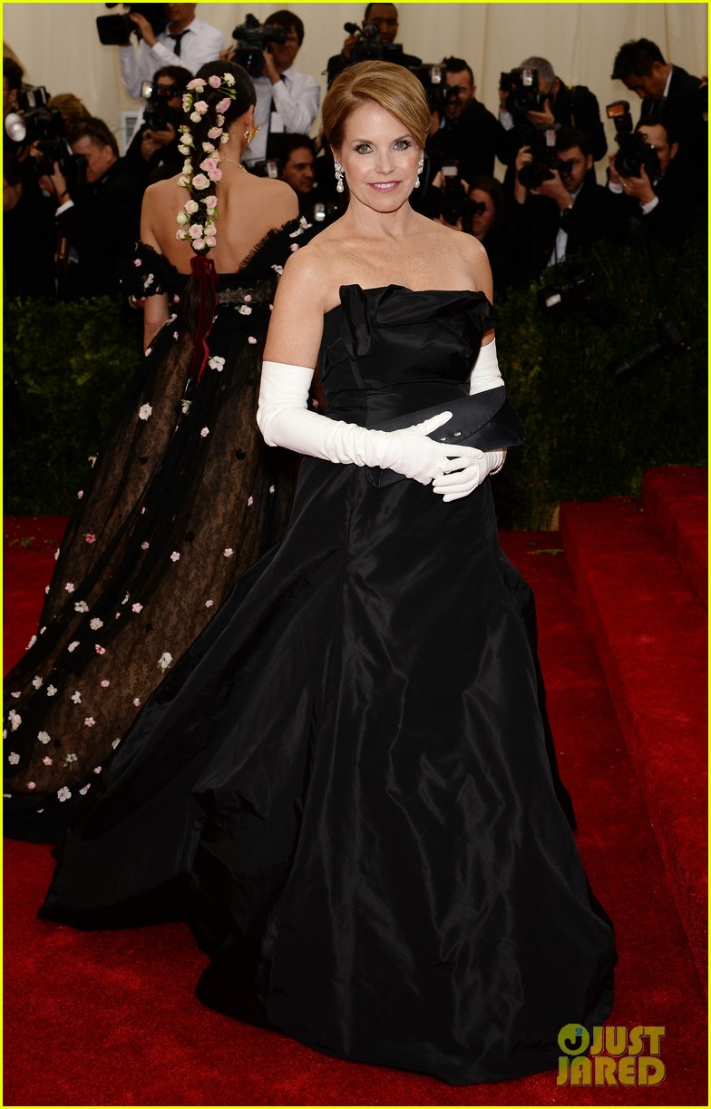 katie couric white glove glam at met ball 2014 023105995