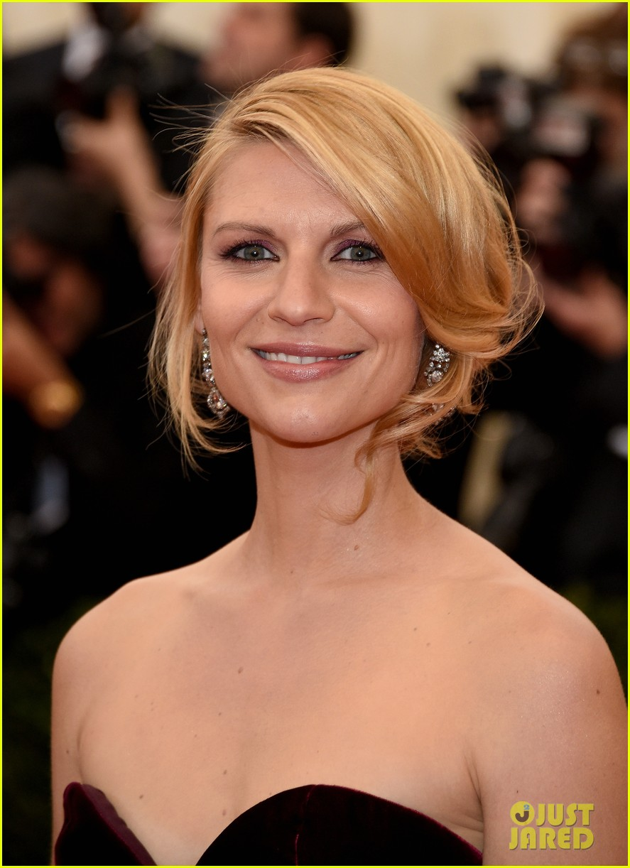 claire danes hugh dancy are perfectly picturesque at met ball 2014 03