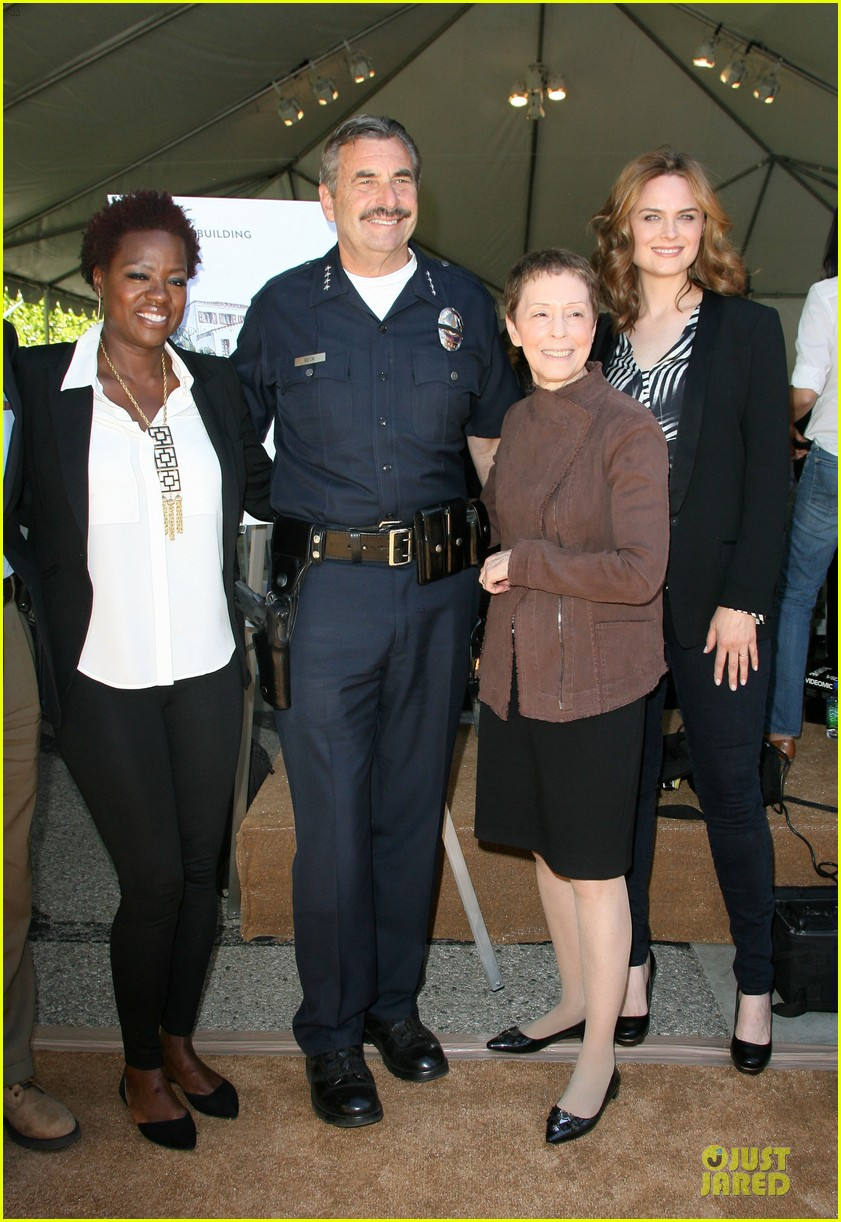 viola davis emily deschanel facility construction 03