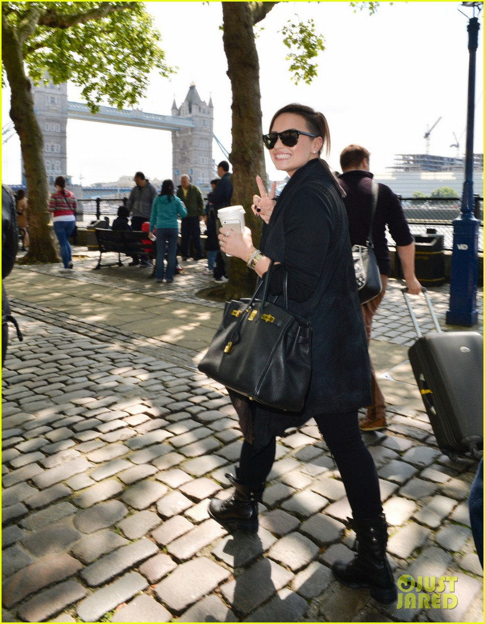 demi lovato tower london visit fan club 033125215