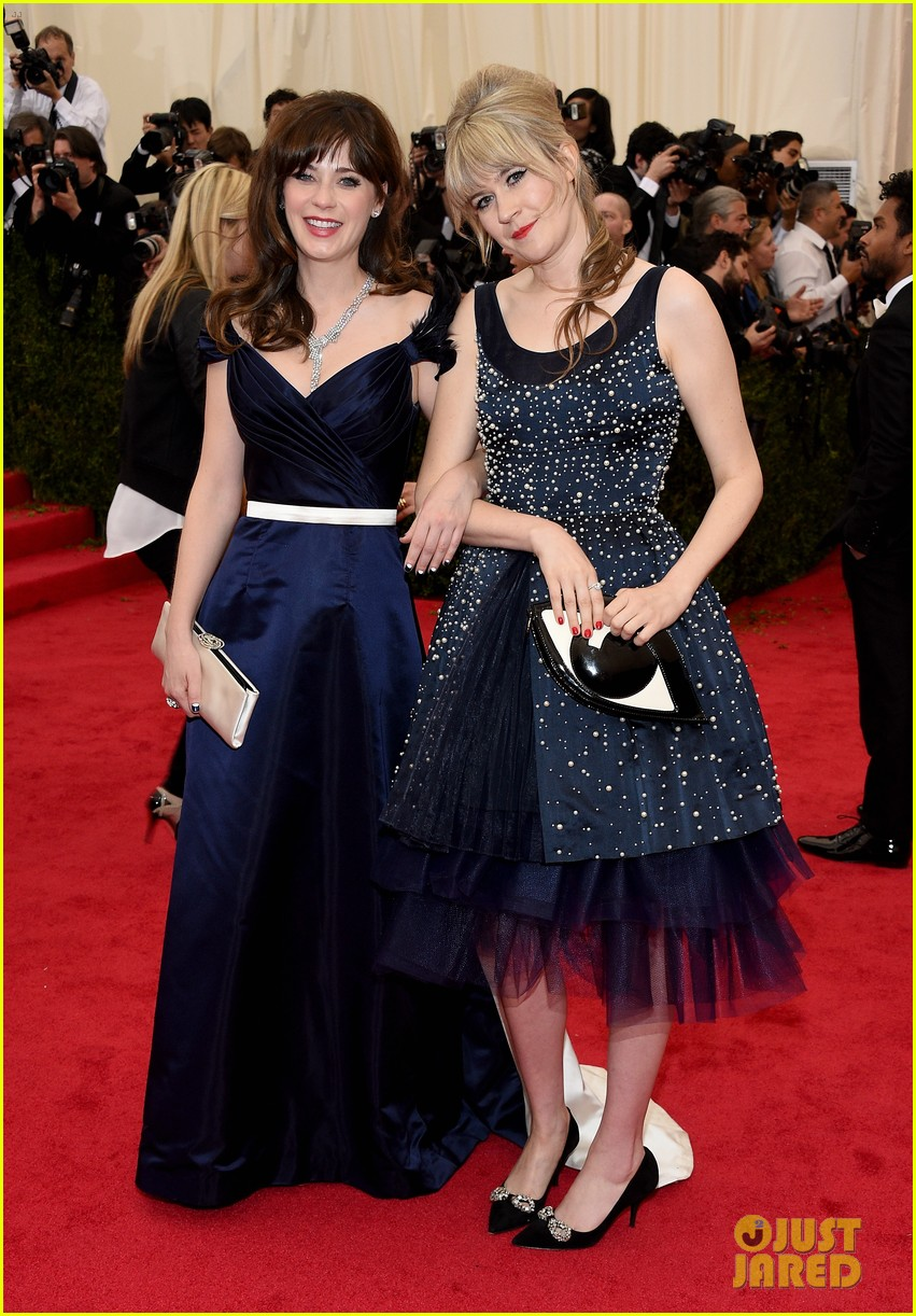 zooey deschanel represents tommy hilfiger on met ball 2014 red carpet 01