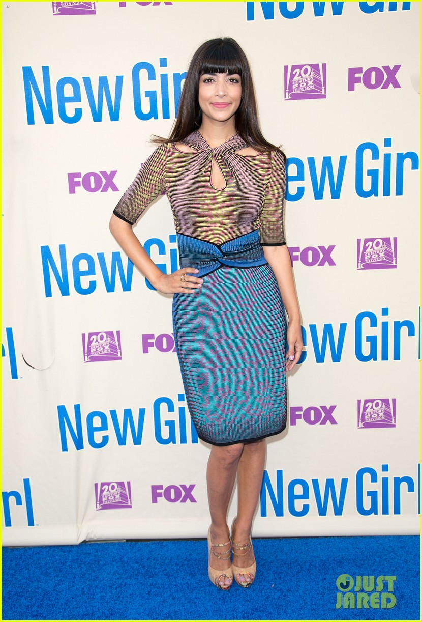 zooey deschanel joins new girl cast for season three finale screening 013109308