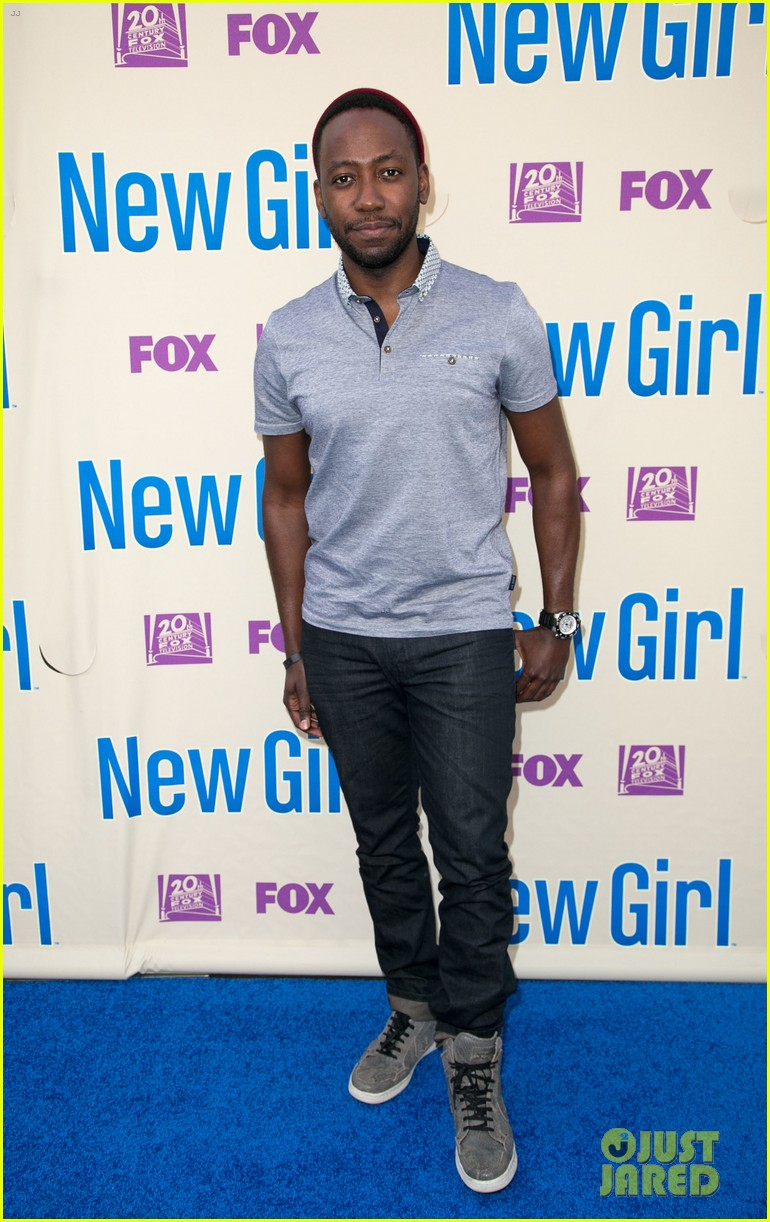 zooey deschanel joins new girl cast for season three finale screening 193109326