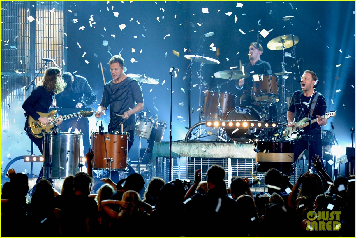 imagine dragons performs tiptoe at billboard music awards 2014 04