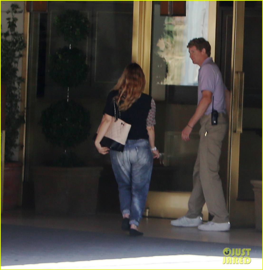 drew barrymore steps out first time daughter frankie 063110874
