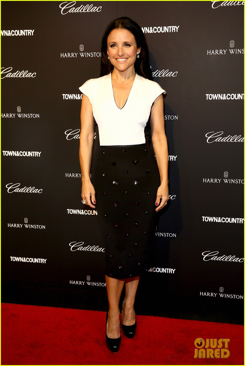 julia louis dreyfus hosts generosity of eye screening for hubby brad hall 09