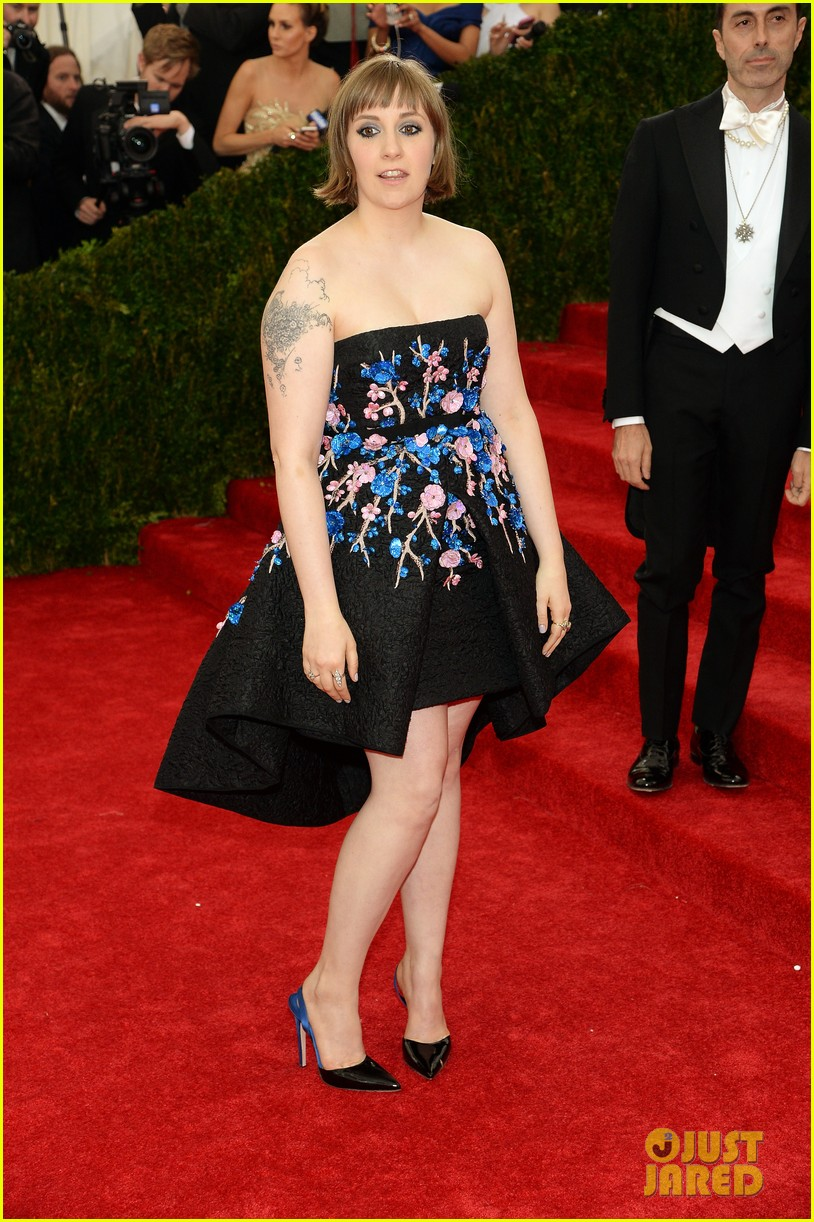 lena dunham chooses strapless dress for met ball 2014 05