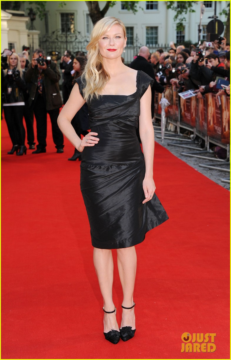 kirsten dunst goes classy chic in little black dress 063112637