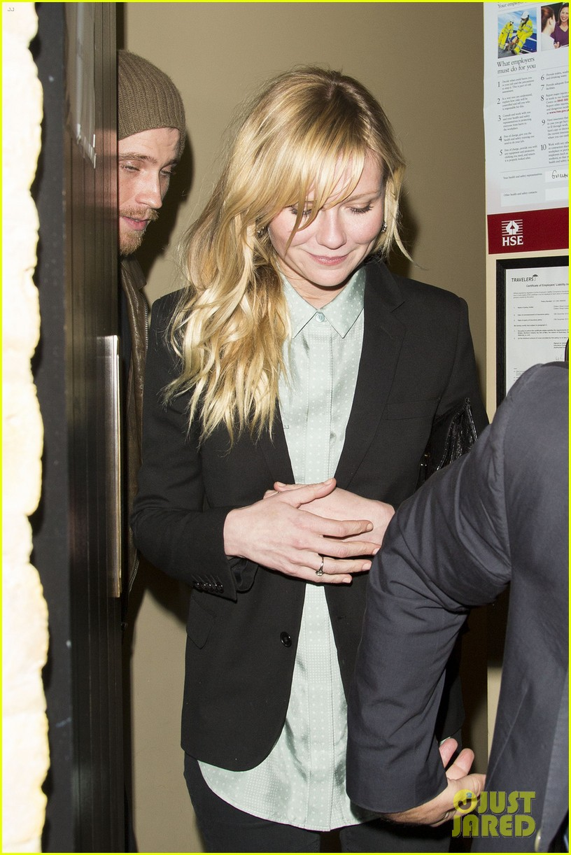 kirsten dunst garrett hedlund have date night at chiltern firehouse 15