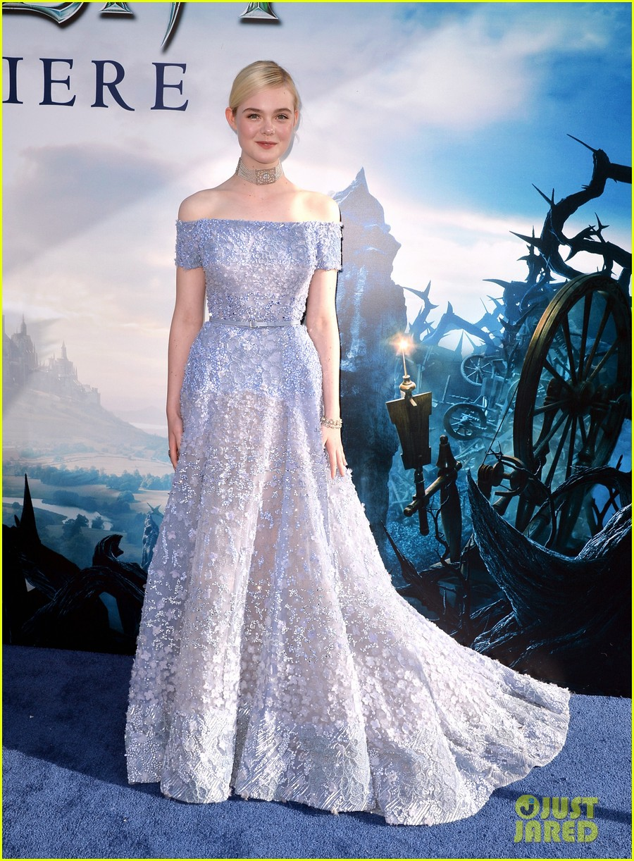 elle fanning maleficent hollywood premiere 013123511