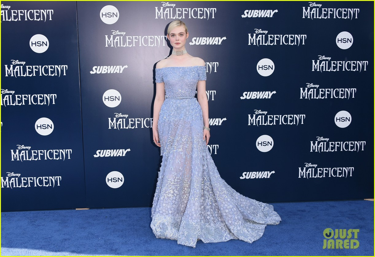 elle fanning maleficent hollywood premiere 05