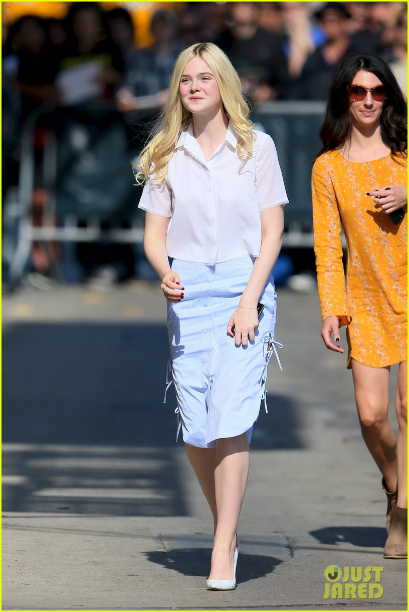 elle fanning promposal jimmy kimmel live video 03