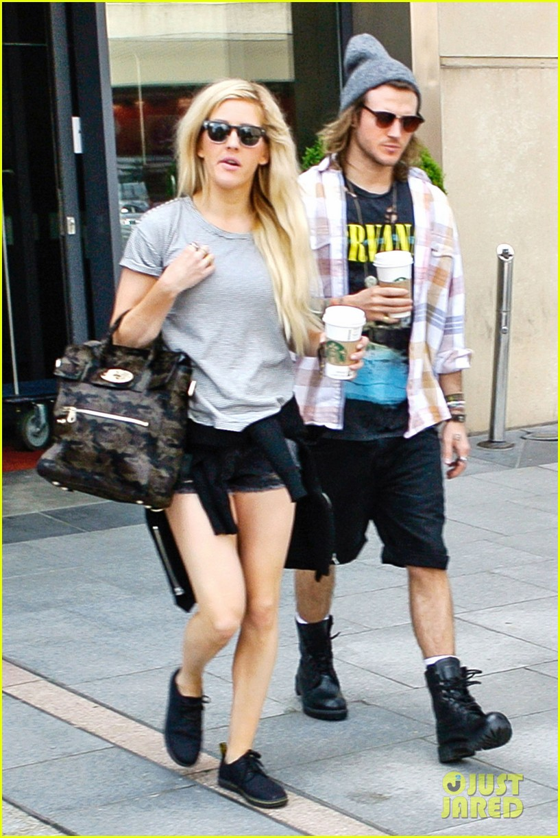 ellie goulding dougie poynter hands food 06