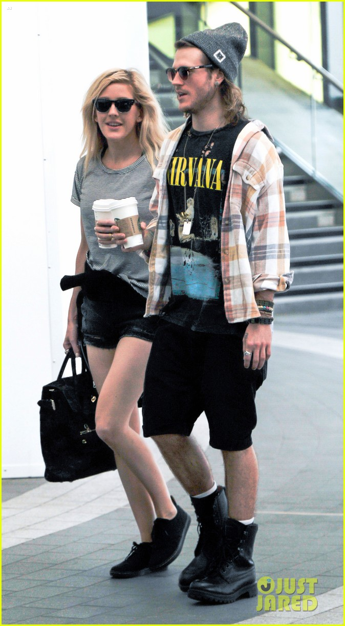 ellie goulding dougie poynter hands food 17