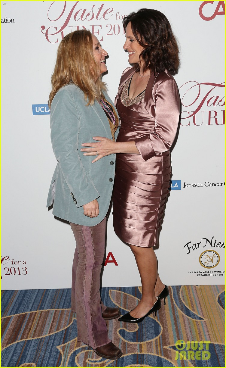 melissa etheridge gets married to linda wallem 05