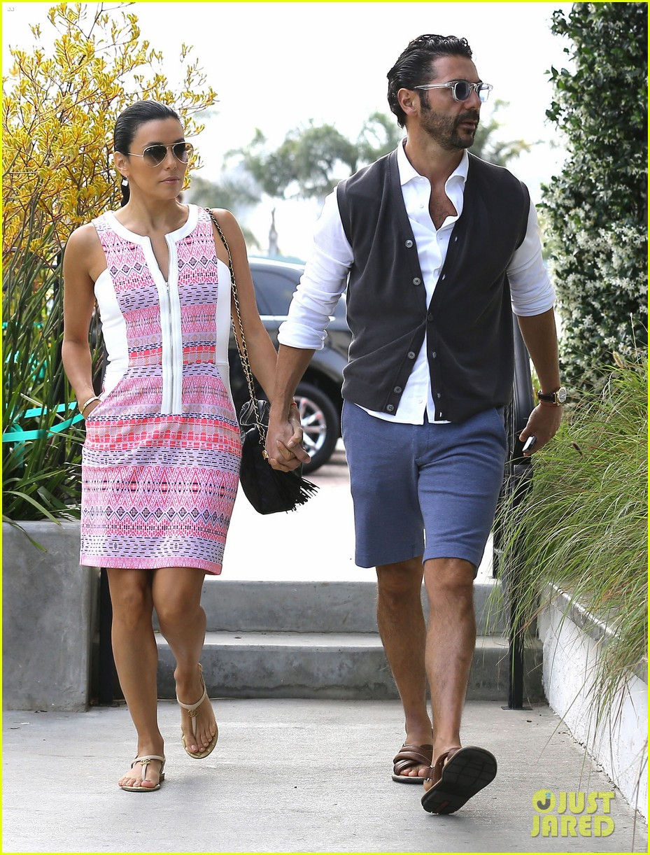 eva longoria cozy shopping boyfriend jose antontio baston 28