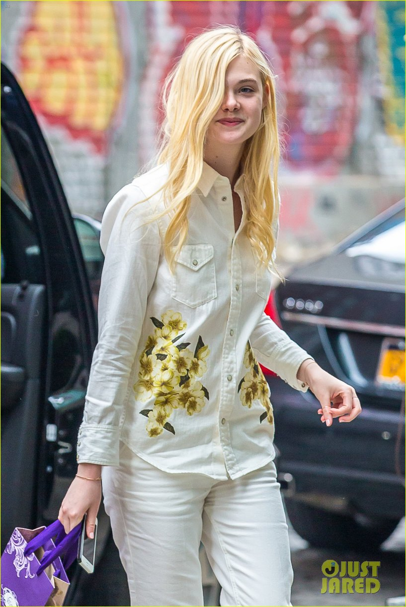 elle fanning soho eat 100 years 013115025