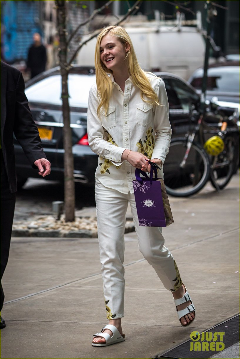 elle fanning soho eat 100 years 153115039