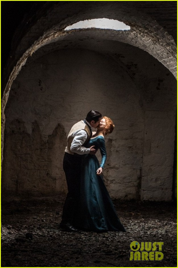 colin farrell kisses jessica chastain in new miss julie still 03