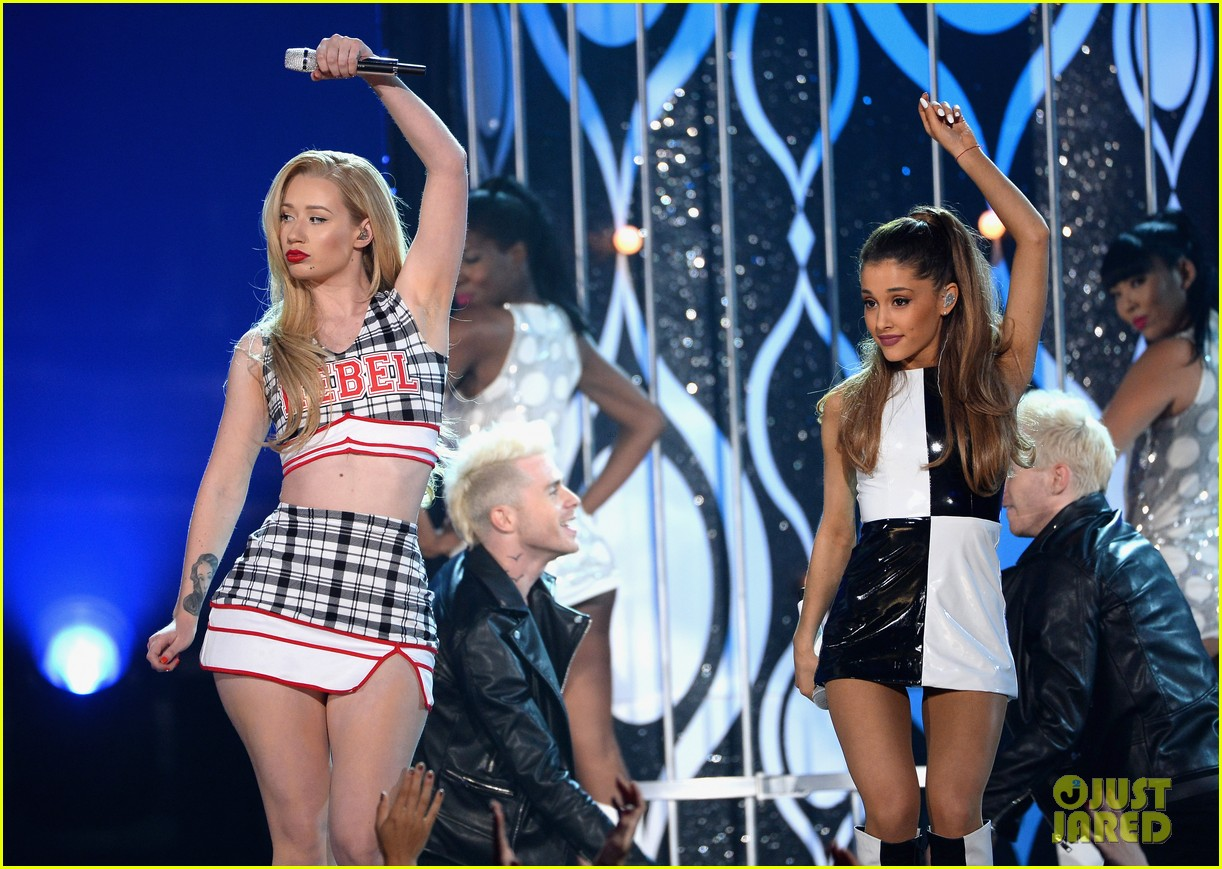 ariana grande iggy azalea problem billboard music awards 2014 043116800