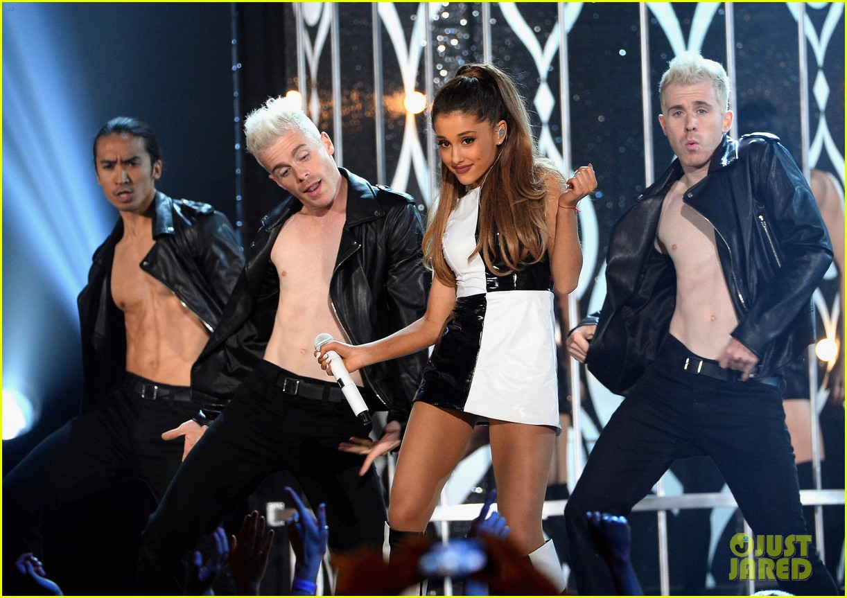 ariana grande iggy azalea problem billboard music awards 2014 06